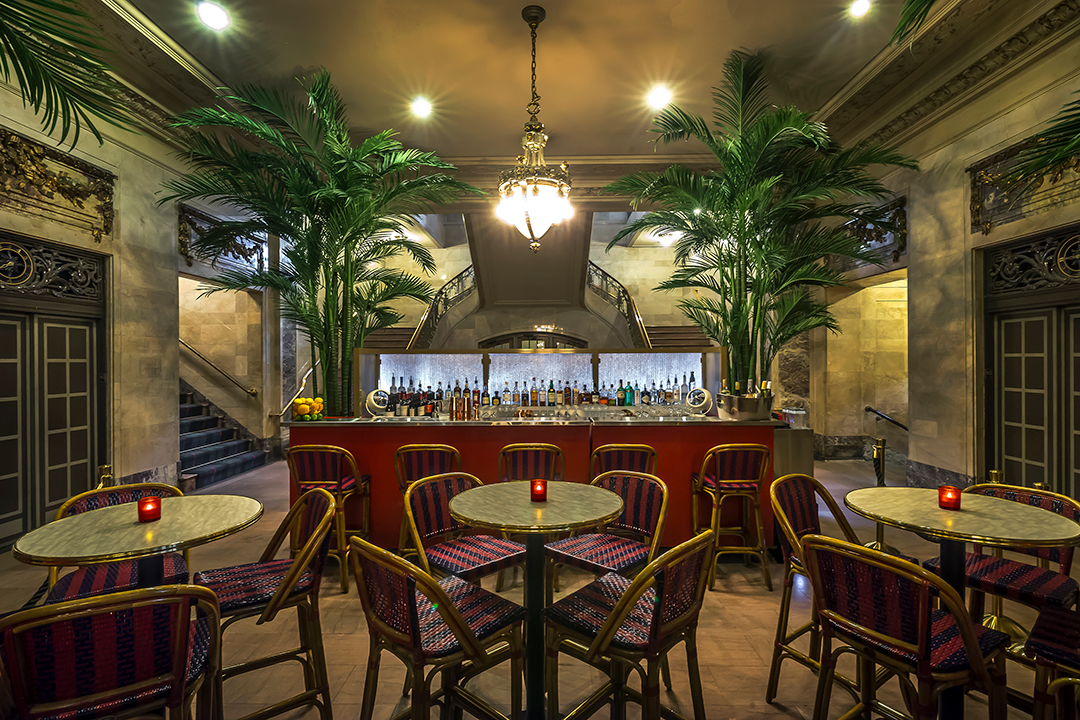The-Campbell-Palm-Court-